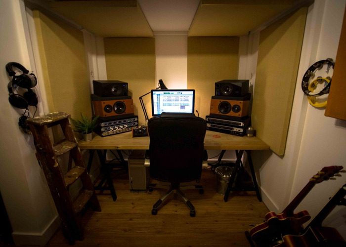 SMALL RECORDING STUDIO/WRITING ROOM/PRODUCTION SPACE - 1