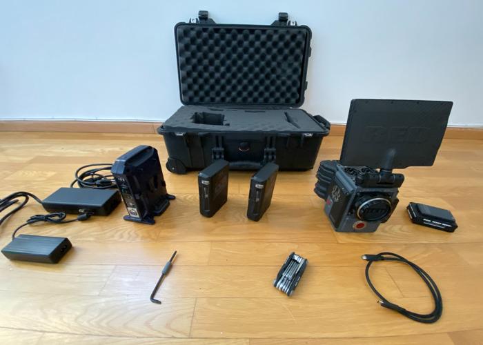Red Digital Cinema SCARLET-W Dragon5K Camera Package EFMount - 1