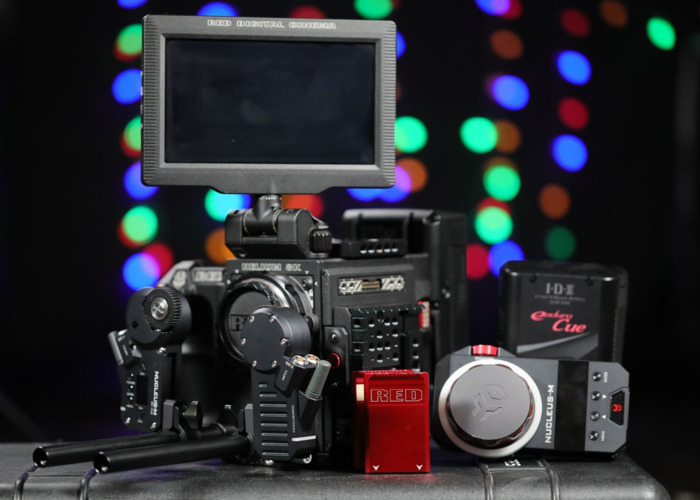 "Red Epic W Hellium 8k Package B (incl. Tilta Nucleus M,  7"" DSMC2 Monitor, 512gb & 480 GB Minimag, 2x IDX Vlock, Canon EF Mount, Sidehandle, Base IO) - 1"