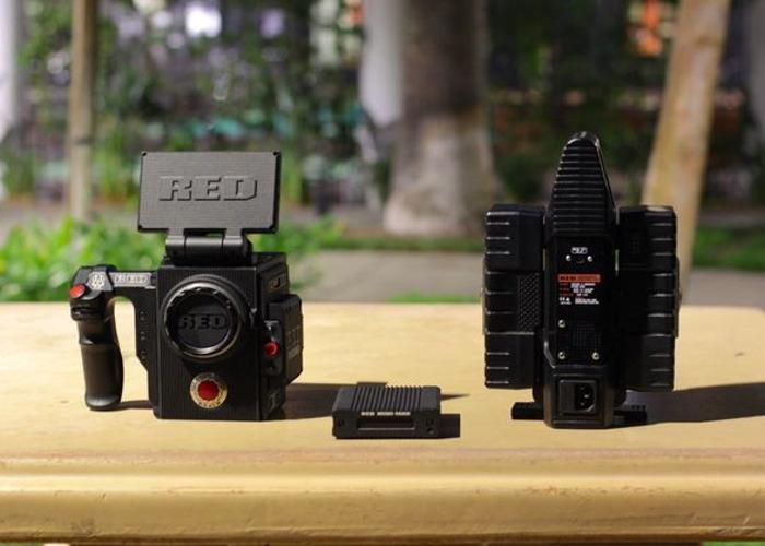 "RED Raven, 2 Bricks, 480GB Mini-Mag, 4.7"" LCD, Side Handle - 2"
