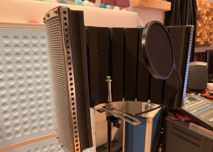 Reflection shield, pop filter, mic stand - 2