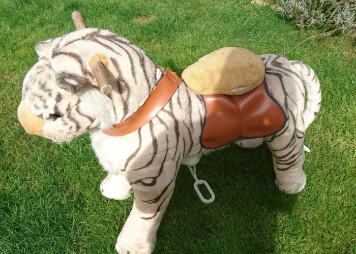 Ride on white tiger on wheels - 1