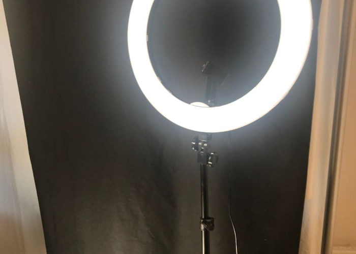 Ring light mains powered 2.5 meter cable 5.5 ft stand - 1