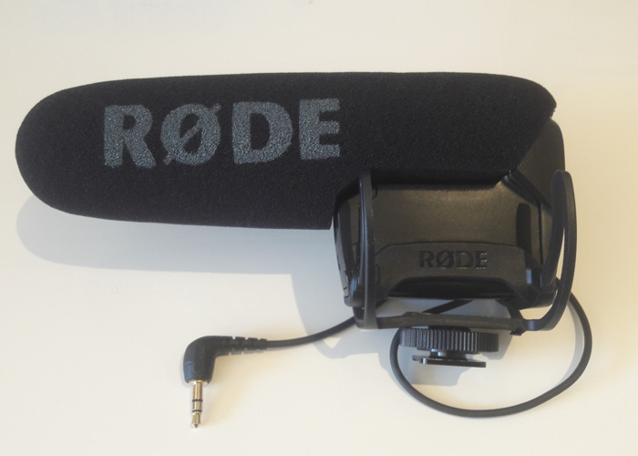rode video-microphone-pro-43349215.jpg