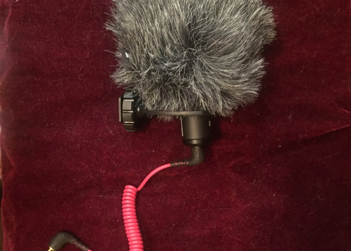 Rode VideoMicro Compact On-Camera Microphone - 1