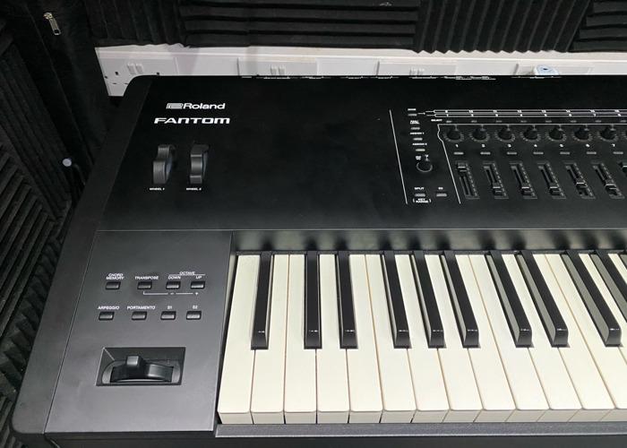 Roland Fantom  - 2