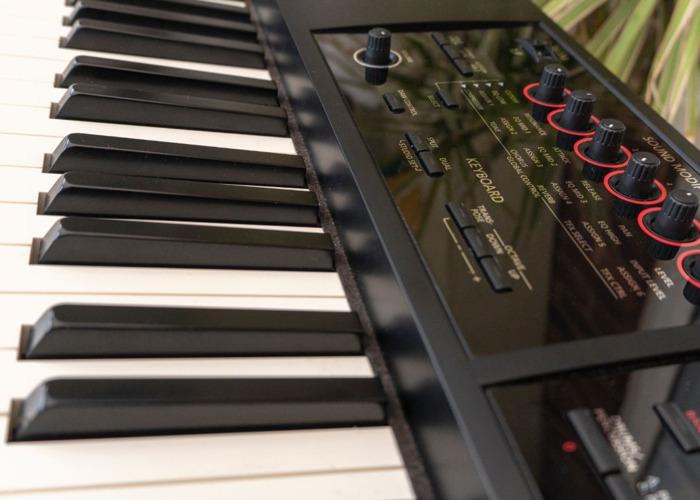 Roland Fantom FA08 Workstation - 2