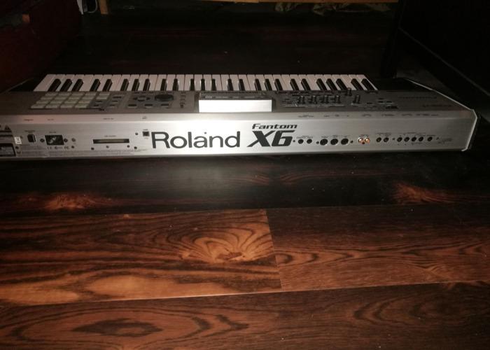 Roland Fantom X6 Synthesizer Workstation - 2