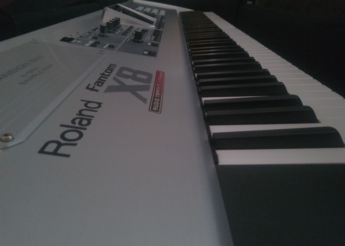 Roland Fantom X8 Keyboard - 1