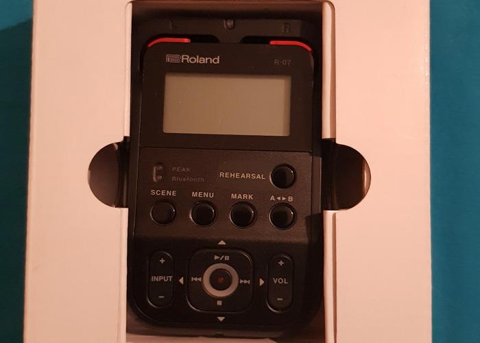 Roland High Resolution Audio Recorder - 1