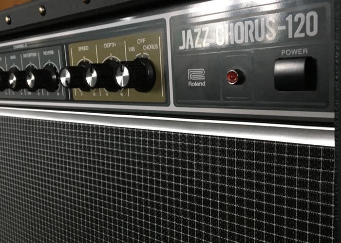 Roland Jazz Chorus 120  - 2