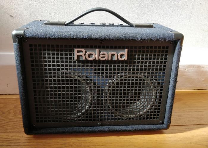 Roland KC-220 Keyboard Amp Combo - 1