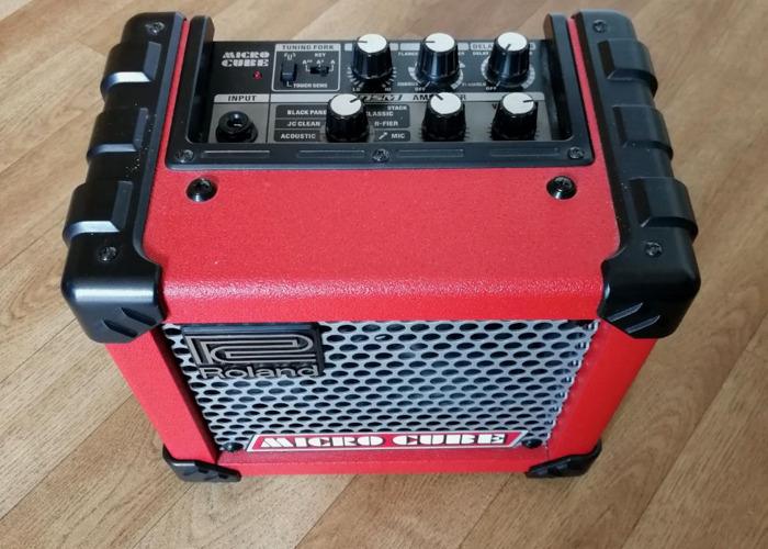 Roland Micro Cube Amp - 1