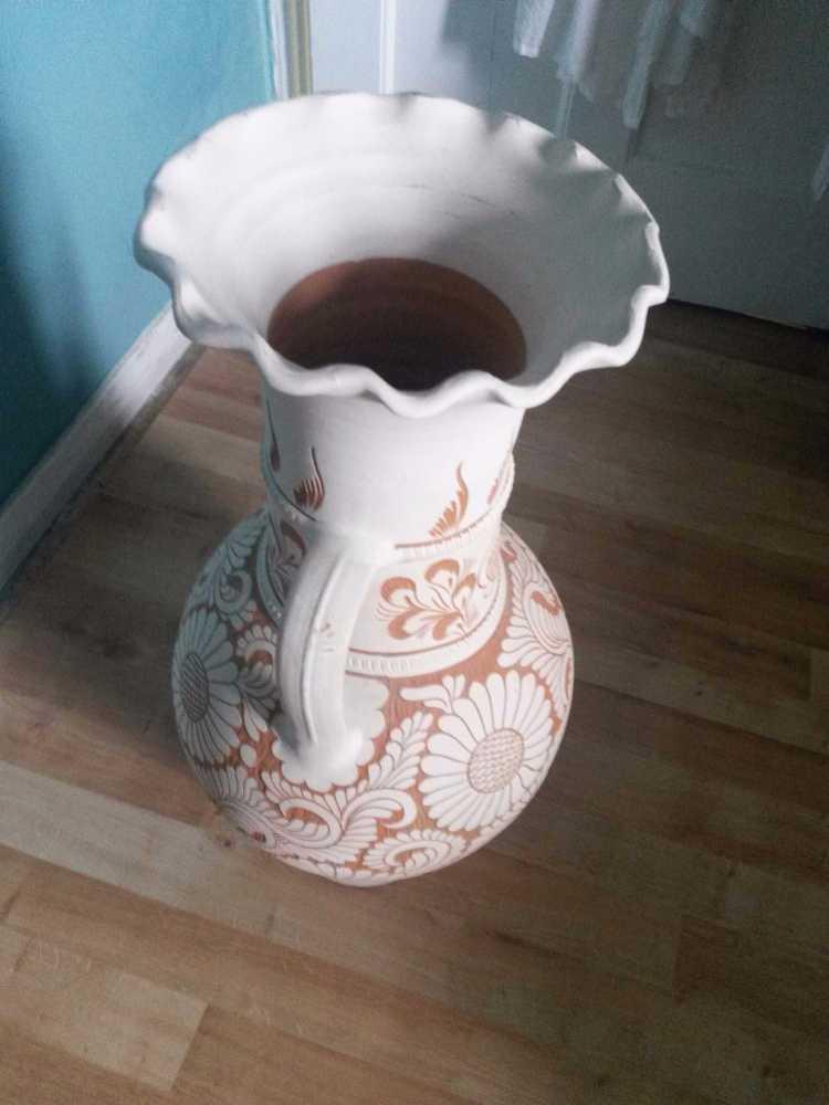 Gorgeous Romanian Korand Pottery (Large) - 2
