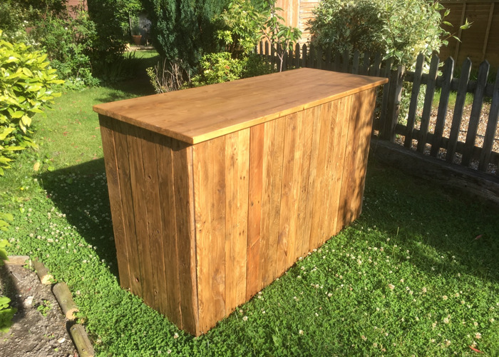 Rustic Pallet Wood Mobile Bar - 1