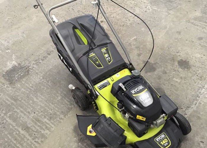 Ryobi 140cc petrol lawnmower self propelling  - 2