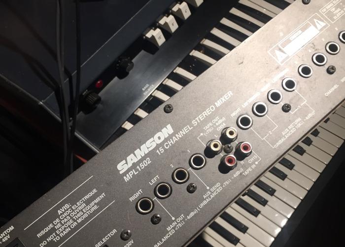 Samson mixer - 2