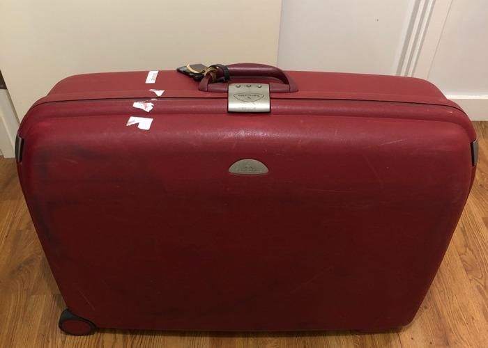 Samsonite Suitcase (large) - 1