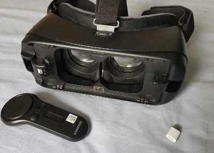 samsung gear-vr-with-controller-12319340.jpg
