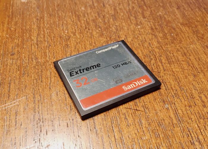 sandisk extreme-32gb-cf-card-120mbs-08956647.JPG
