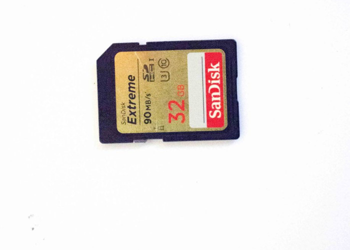 SANDISK Extreme Plus Ultra Performance Class 10 SDHC Memory  - 1