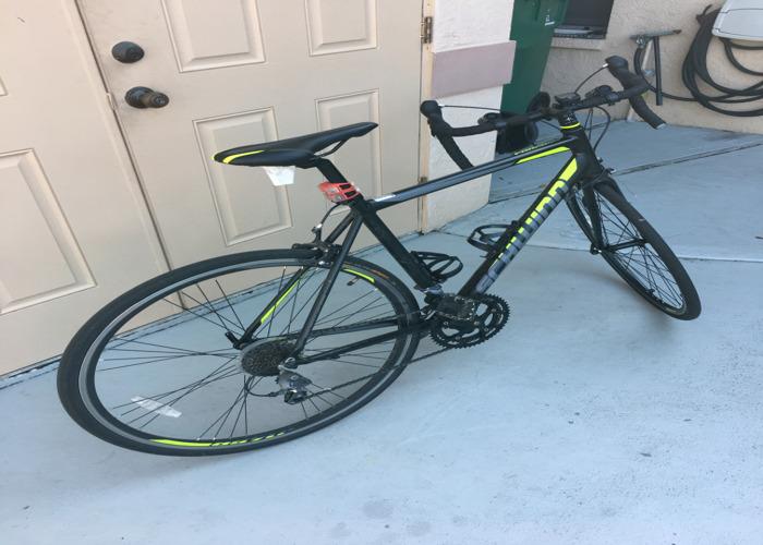 SCHWINN Road Bike - 2