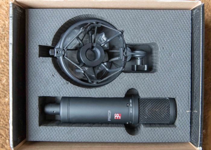 Microphone. sE Electronics 2200a II  - 1