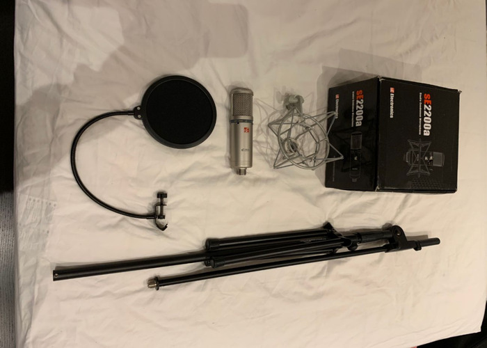 SE2200A Condenser Mic Pop Shield & Mic Stand - Vocal Setup - 1
