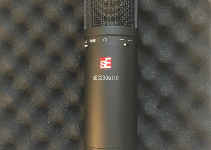SE2200a II Cardiod Condenser Vocal Microphone  - 1