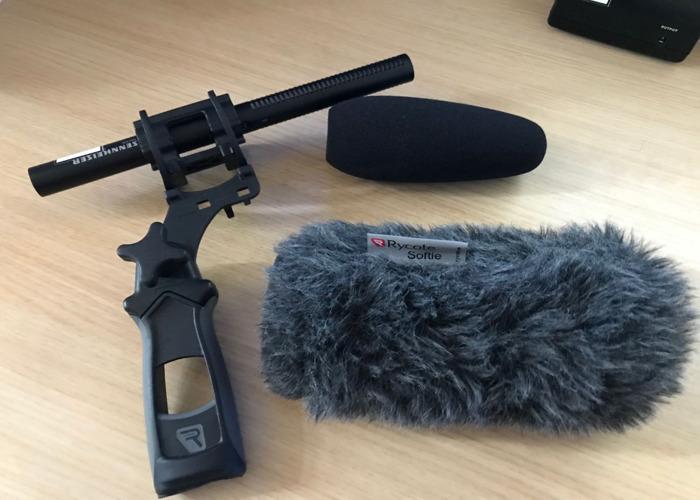 Sennheiser MKE600 Shotgun Pistol Grip and DeadCat - 1