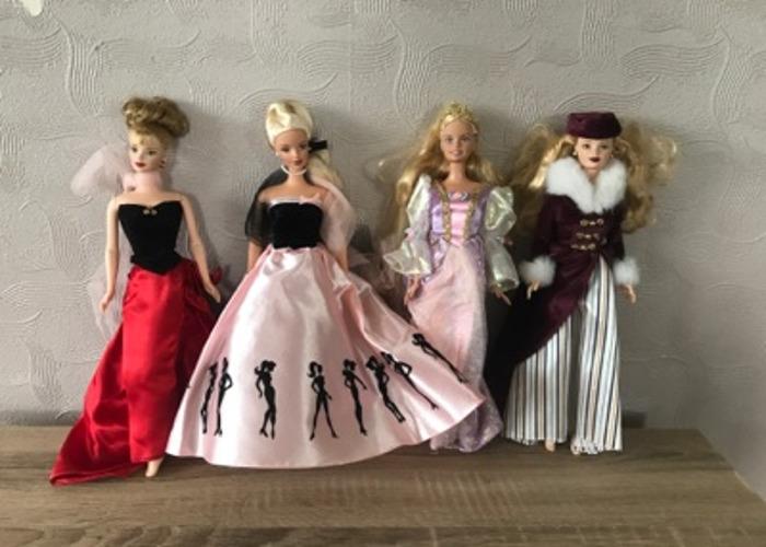 Set of 4 barbie dolls - 1