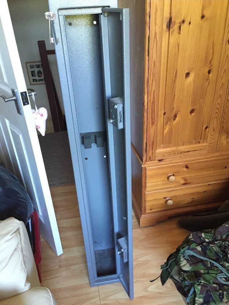 Shotgun cabinet (3-Gun) - 1