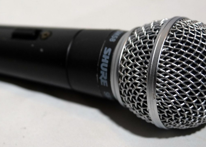 Shure SM58 Wired Switched Microphone - 1