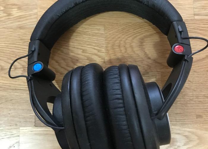 Shure SRH840 Studio/DJ Headphones - 2