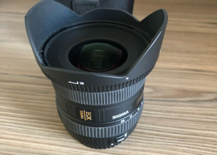 Sigma 10-20mm f4-5.6 EX DC HSM - Canon fit lens - 2