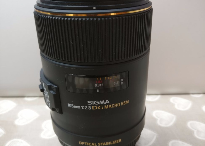 Sigma 105mm 1:2.8 DG Macro HSM Lens Canon - 2