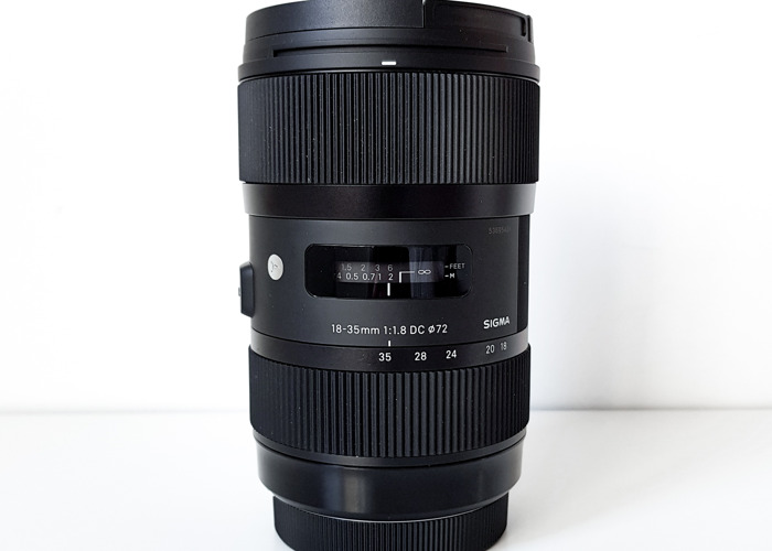 Sigma 18 - 35mm Lens - Canon EF Mount - 1