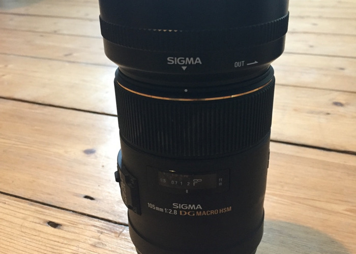 Sigma Macro lens 105mm F2.8 - Nikon fitting - 1