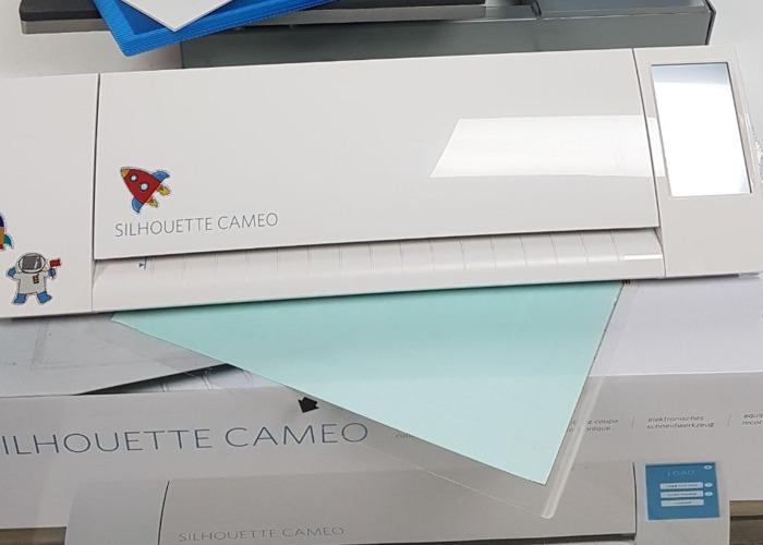Silhouette Cameo craft cutter - 2