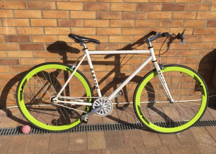 Single speed  town bike - 1