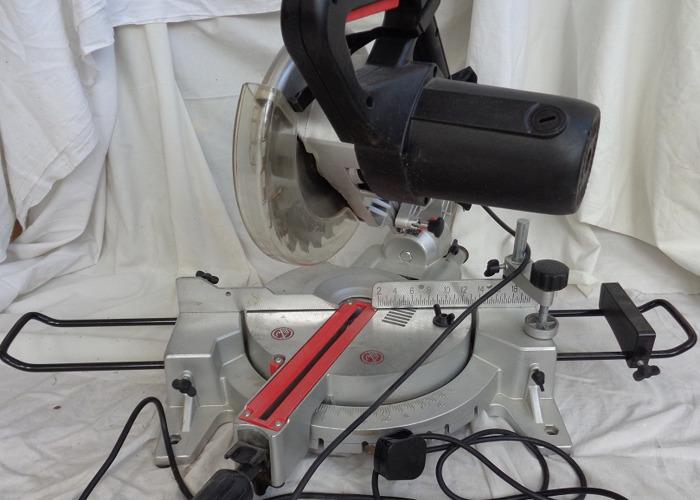 Sliding compound mitre bevel saw - 1