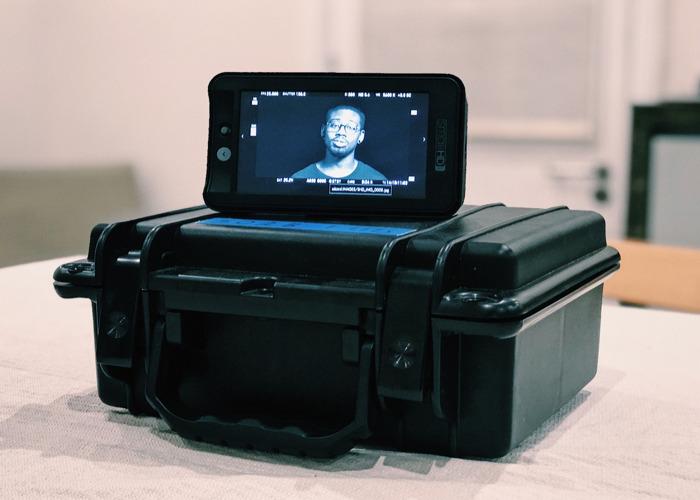 Small HD 502B 5 inch monitor - 1
