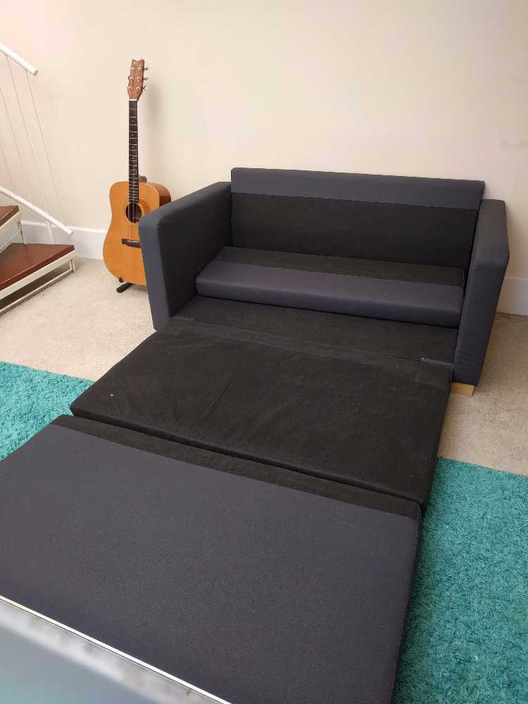 Small sofa pull out bed - 1