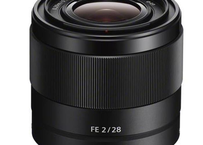 sony 28mm-f2-lens-79636213.jpg