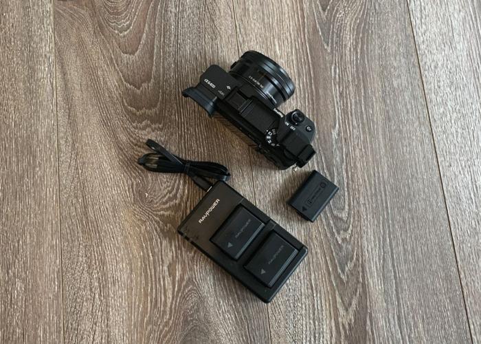 Sony α6400 Mirrorless Camera & Lens 16-50mm F3.5-5.6 OSS - 2