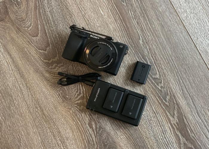 Sony α6400 Mirrorless Camera & Lens 16-50mm F3.5-5.6 OSS - 1