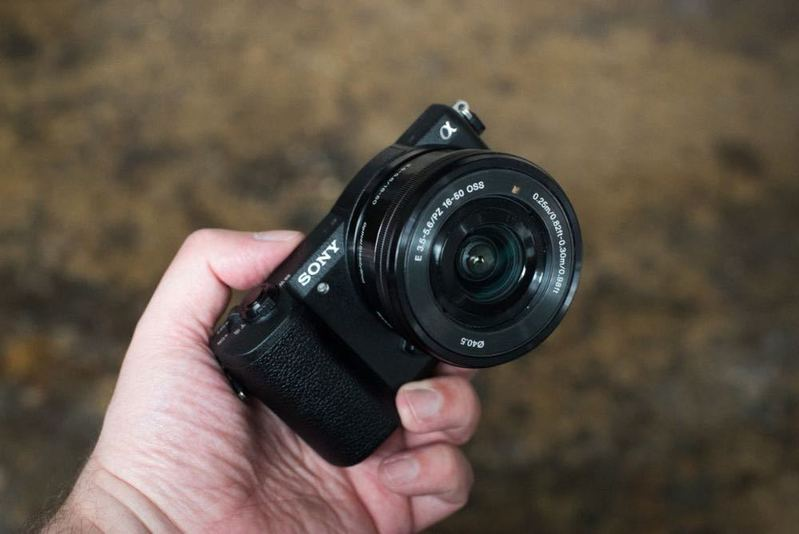 Rent Sony A5100 | 24 3 MP | Compact Camera in London | Fat Llama