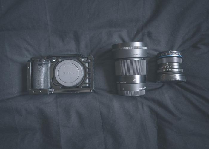 Sony a6500 + 2 Lenses + 4 Batteries - 1