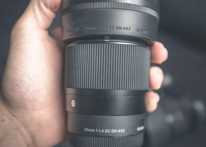 Sony a6500 + 2 Lenses + 4 Batteries - 2