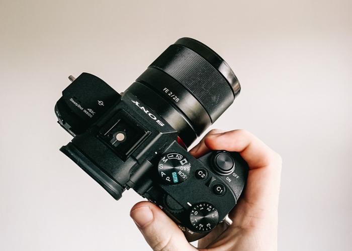 Sony A7III Mirrorless Camera 4K + Sony FE 28mm F/2 Lens  - 2